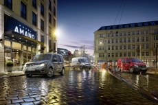 OORT-MBVans-HOTEL-red-Vito-FINAL-cropped-BLOG-MAILING